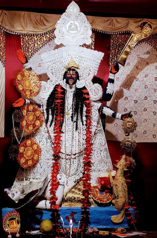La déesse kali belle statue faite dans le pandaal d'asansol image stock
