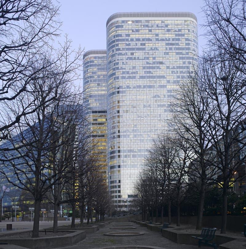 La défense de La de Paris la nuit image libre de droits