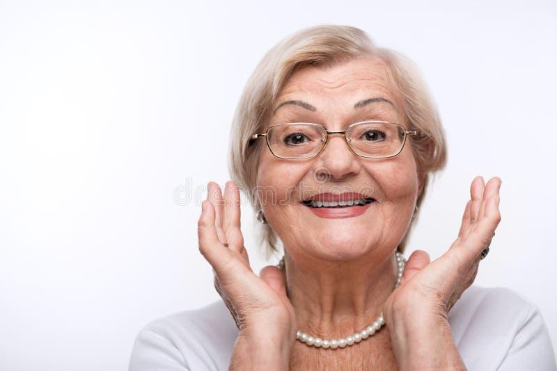 La dame pluse âgé est heureuse photographie stock libre de droits