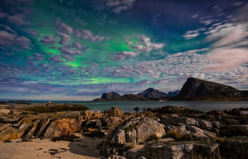 La dame verte l'aurore révèle à la lumière du jour image stock
