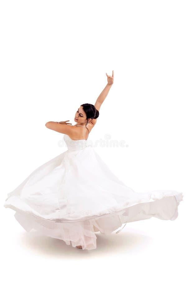 La danse de la jeune mariée image stock