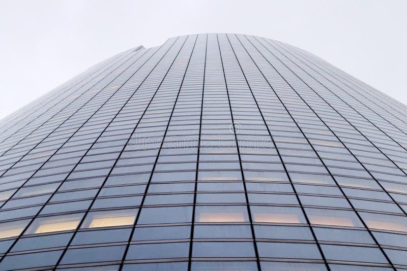 La-de toren blinde voorgevels van defensiebureaus in van Bedrijfs Parijs district stock foto