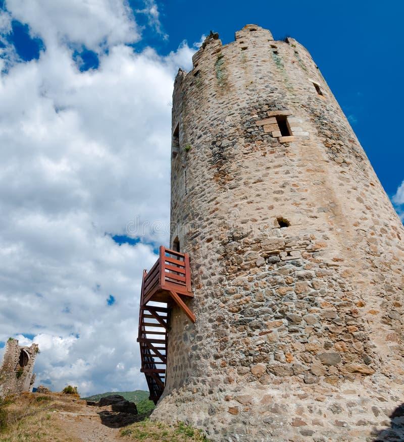 La-de toren van Reisregine in Lastours royalty-vrije stock foto's