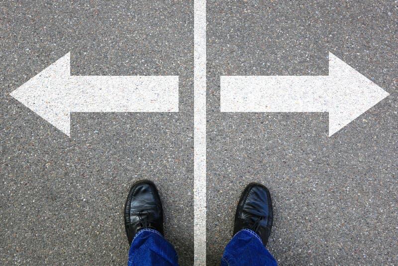 La decisione decide il solut di successo di scopi dell'uomo d'affari di concetto di affari immagine stock