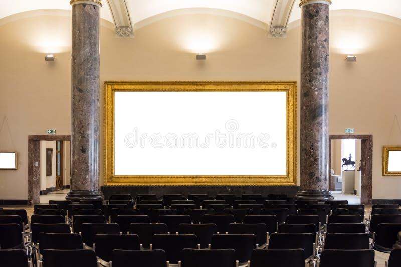 La decorazione in bianco di Art Museum Isolated Painting Frame all'interno mura immagine stock