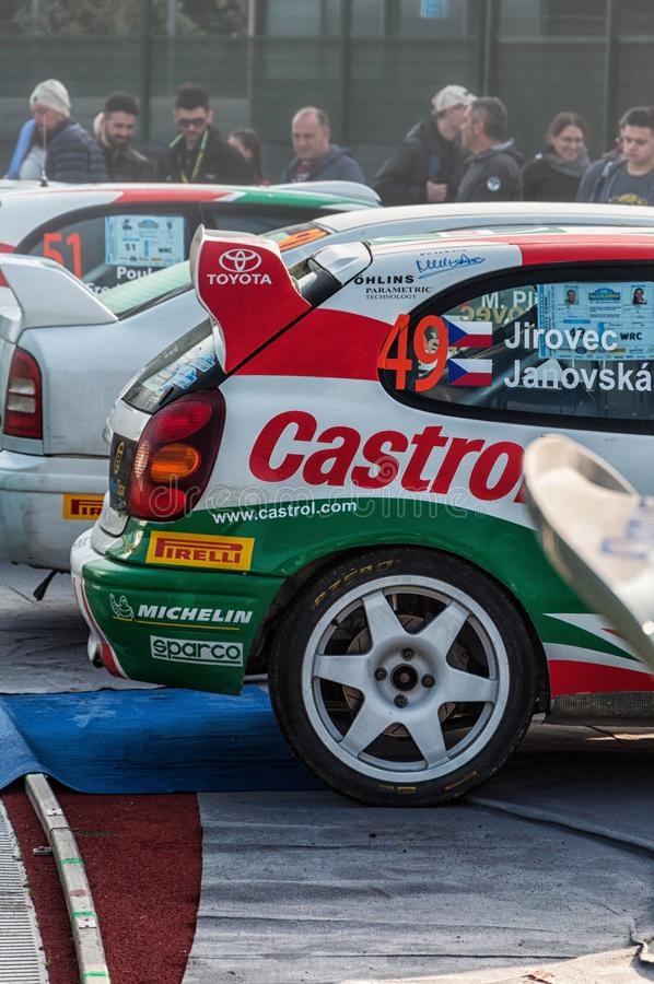 LA 1998 del corsa de DA del vettura del della del raduno del vecchio del nel de TOYOTA COROLLA WRC LEGGENDA 2017 imágenes de archivo libres de regalías