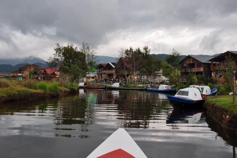La delicata & variopinta Cocha, Colombia di laguna fotografia stock libera da diritti