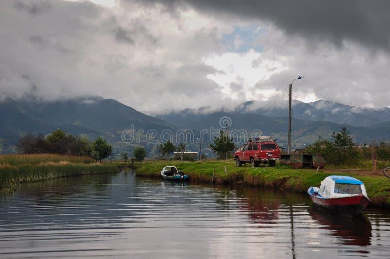La delicata & variopinta Cocha, Colombia di laguna immagine stock libera da diritti