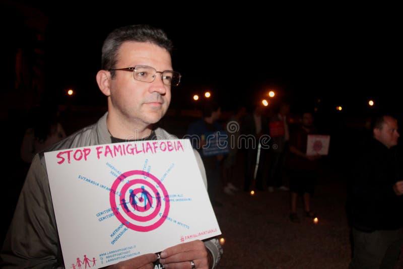 La demostración contra las familias gay que mueven Manuf vierte Tous fotografía de archivo libre de regalías