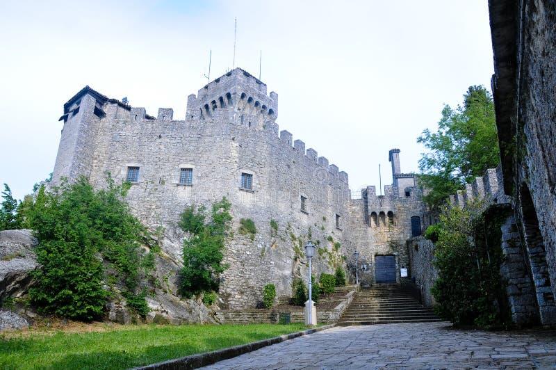 Download La Deuxième Tour Dans Le San Marino Republic Image stock - Image du emilia, nature: 76078815