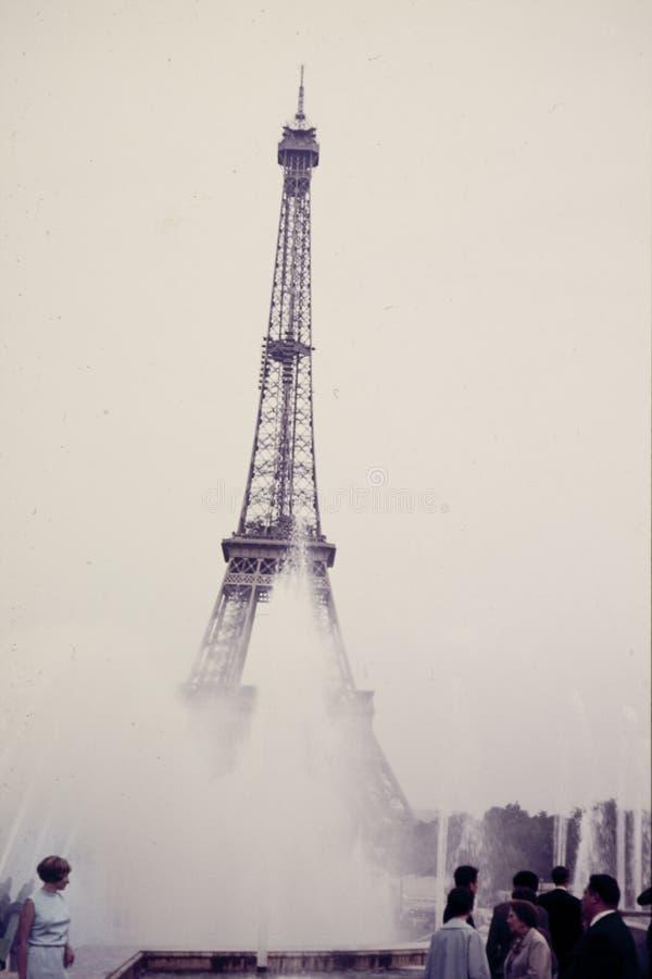 La diapositiva de color original del vintage a partir de 1960 s, mujer joven coloca a ben foto de archivo libre de regalías