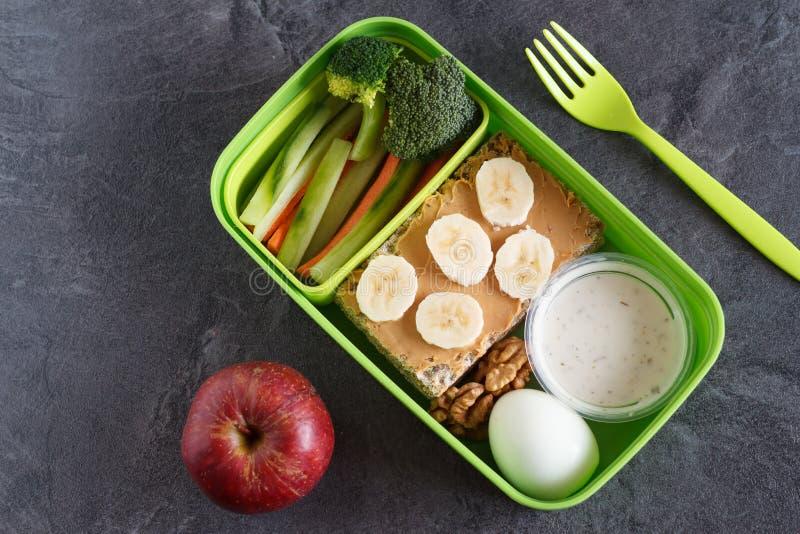 La dieta sana del veg e della proteina fa un spuntino la scatola per pranzo fotografia stock