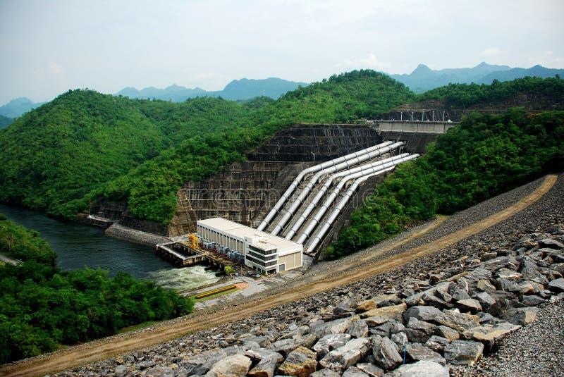 La diga di Srinakarin è la prima diga multiuso fotografie stock libere da diritti