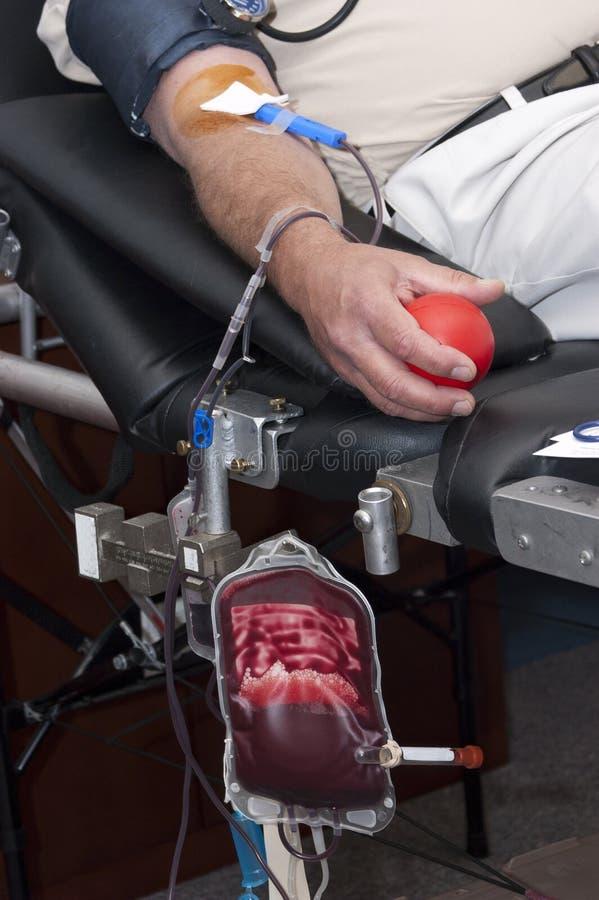 La donación de sangre, dona, la transfusión dispensadora de aceite médica fotos de archivo