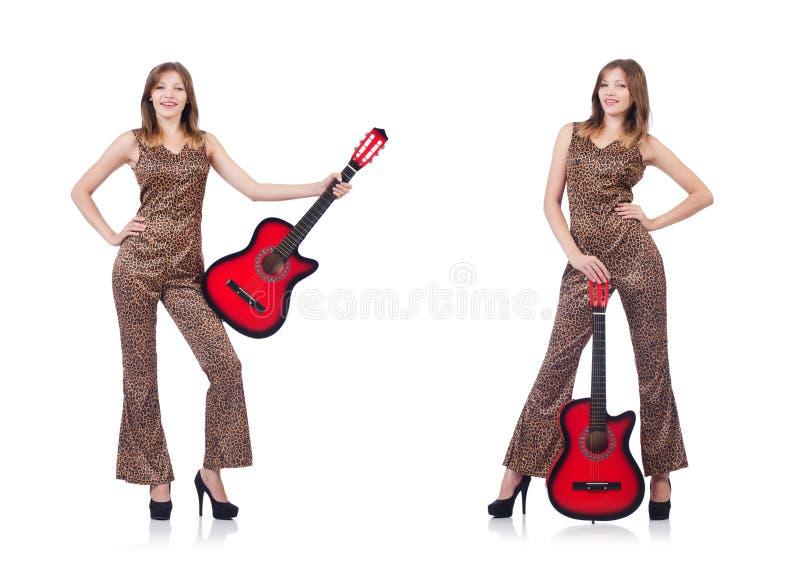 Download La Donna In Abbigliamento Del Leopardo Su Bianco Con La Chitarra Immagine Stock - Immagine di fascia, guitar: 117977757