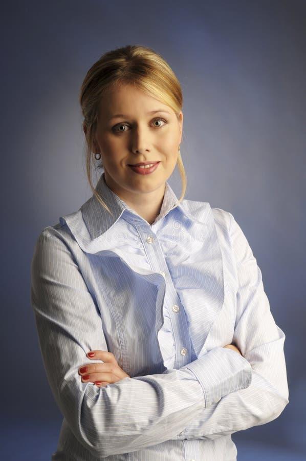 La donna attraente in camicia immagini stock libere da diritti