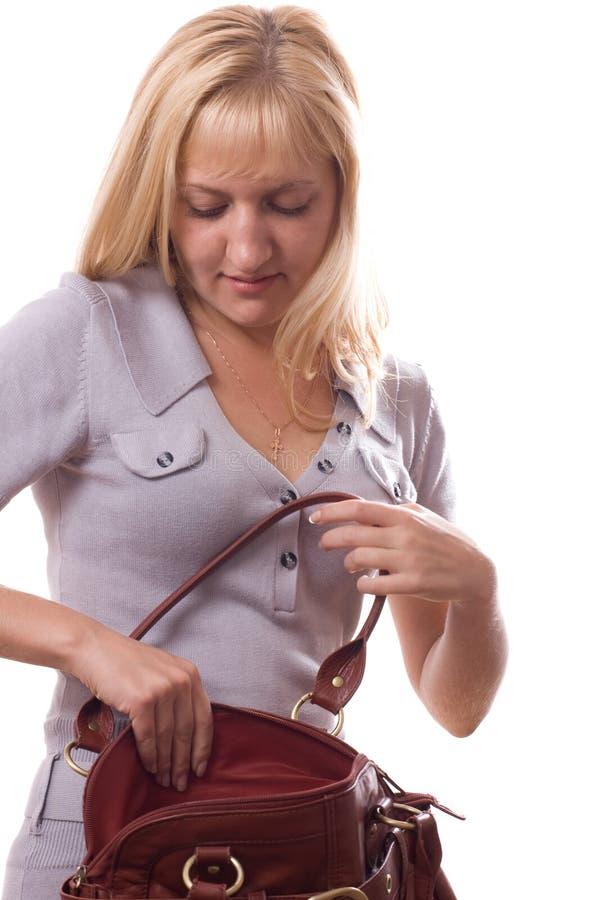 La donna bionda con la borsa ha isolato. #4 fotografie stock