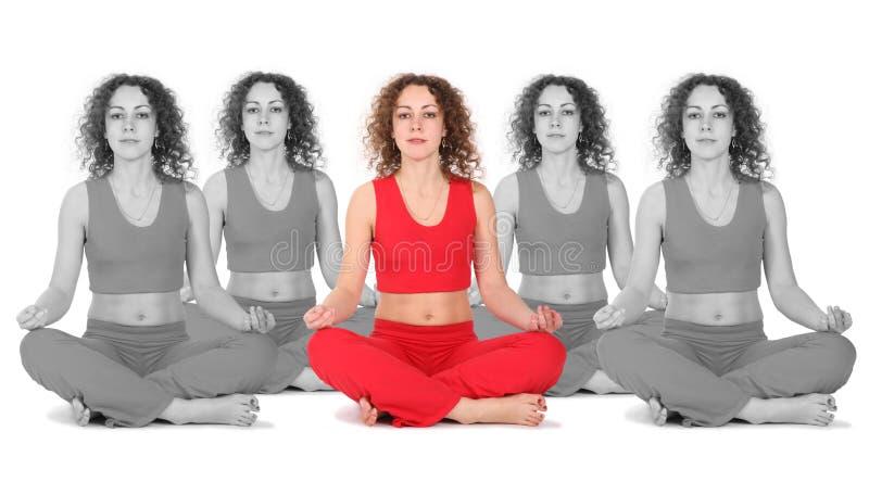 La donna di yoga con il nero bianco clona il collage immagine stock libera da diritti