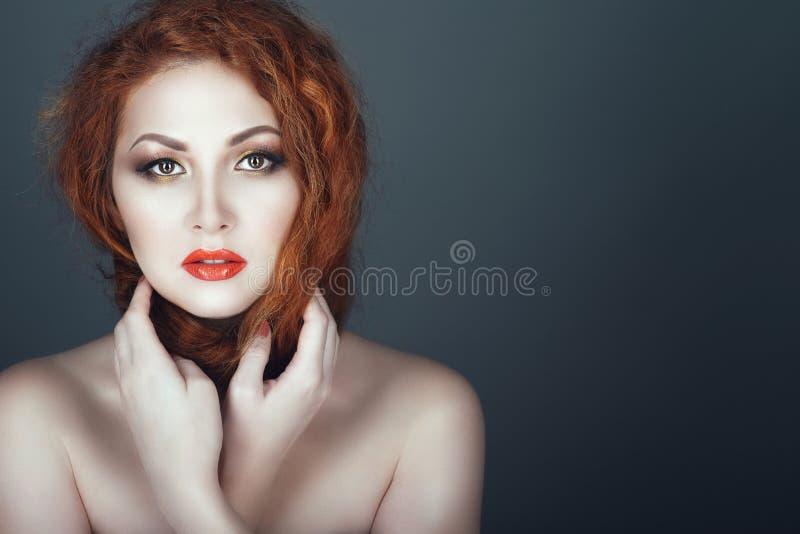 Splendida adolescente nuda