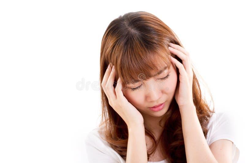 La donna malata soffre da dolore di emicrania, l'emicrania, insonnia fotografia stock
