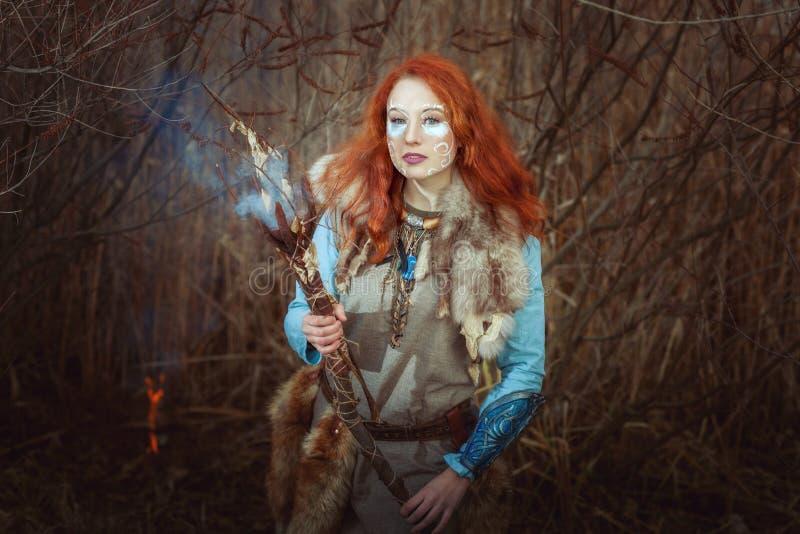La donna pagana è un mago fotografie stock libere da diritti