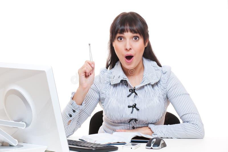 La donna in ufficio ha ottenuto un'idea immagine stock libera da diritti