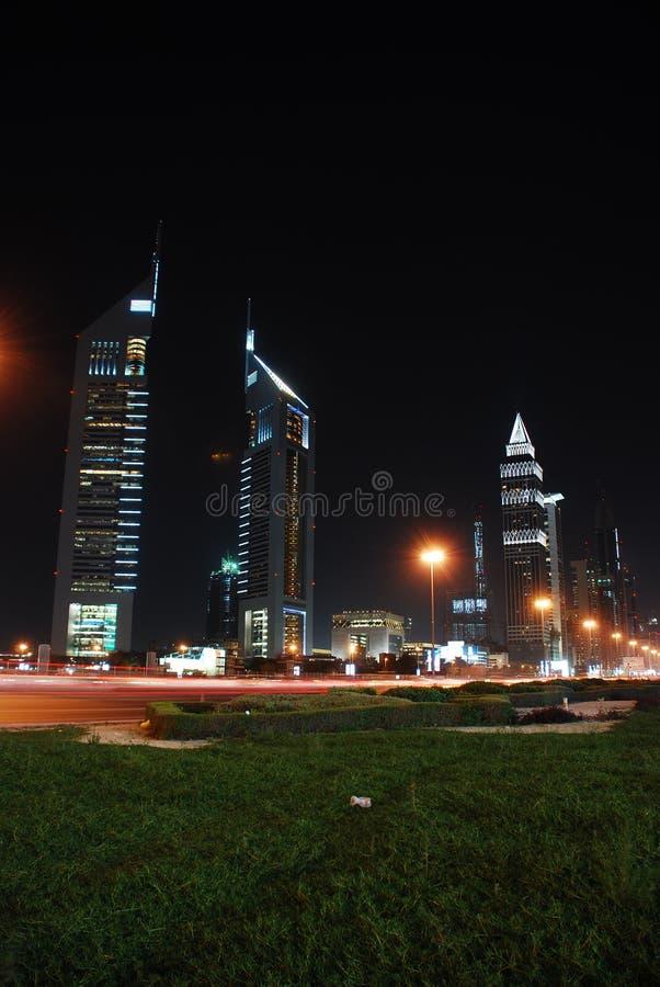 La Doubai alla notte immagine stock