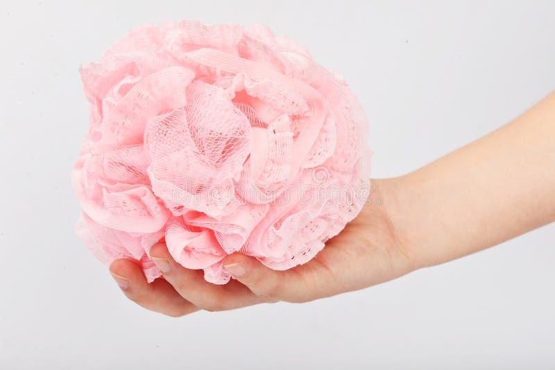 La douche s'exfoliant des gants de bain de station thermale de peau de lavage de bande de frottement a dégrossi serviette magique photographie stock libre de droits