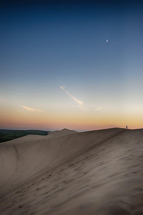 La duna du Pilat y la luna fotografía de archivo libre de regalías