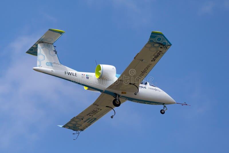 La E-fan de Airbus es un avión eléctrico del prototipo que es convertido por el grupo de Airbus fotografía de archivo libre de regalías