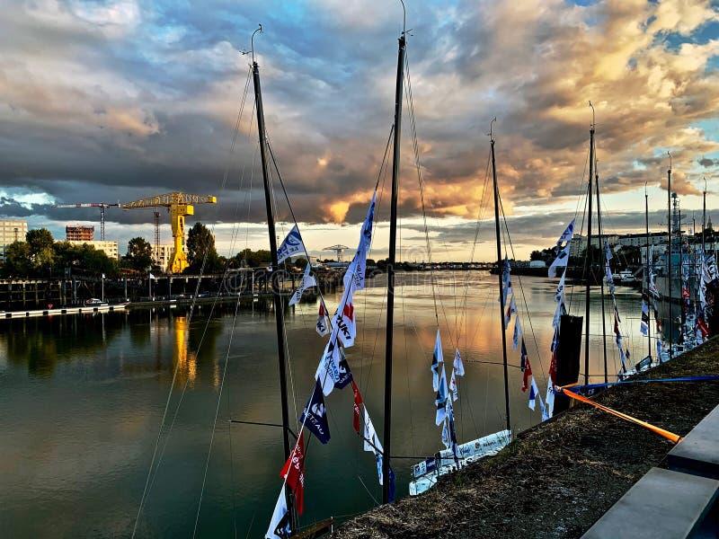 La el Loira de Quai de en Nantes Francia imagenes de archivo