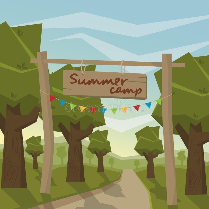 La entrada al campamento de verano en el fondo del bosque imagen de archivo