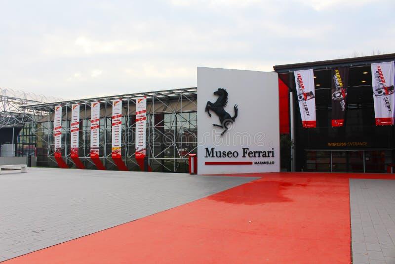 La entrada del museo de Ferrari en Maranello, Italia fotografía de archivo