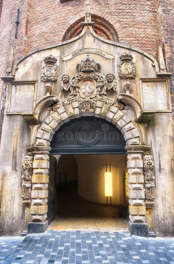 La entrada a la torre redonda en Copenhague fotos de archivo libres de regalías