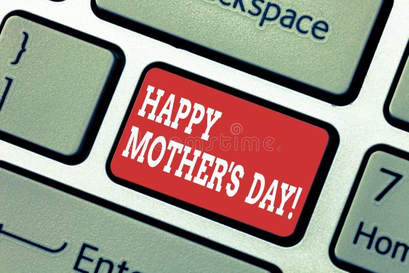 La escritura demostración de la nota de la madre feliz S es día Celebración de exhibición de la foto del negocio que honra a momi imágenes de archivo libres de regalías