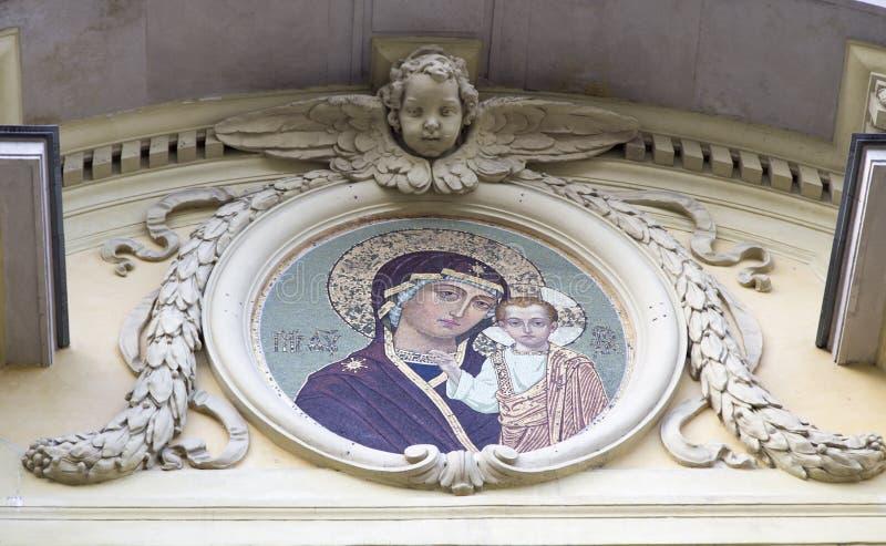 La escultura en la iglesia, puerto peter, St Petersburg, Rusia imágenes de archivo libres de regalías