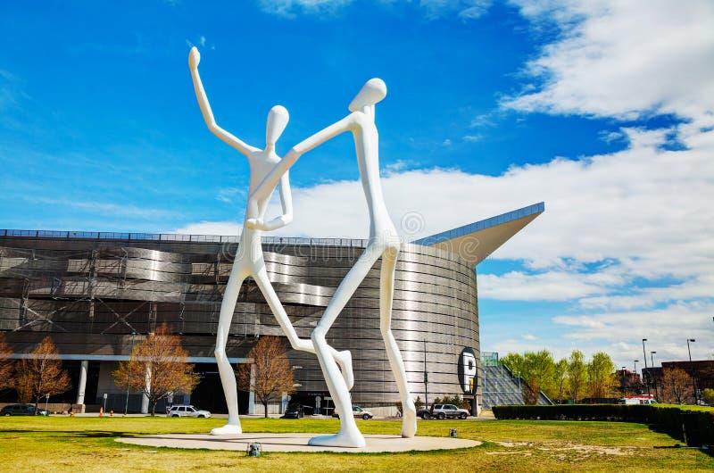 La escultura pública de los bailarines en Denver fotos de archivo libres de regalías