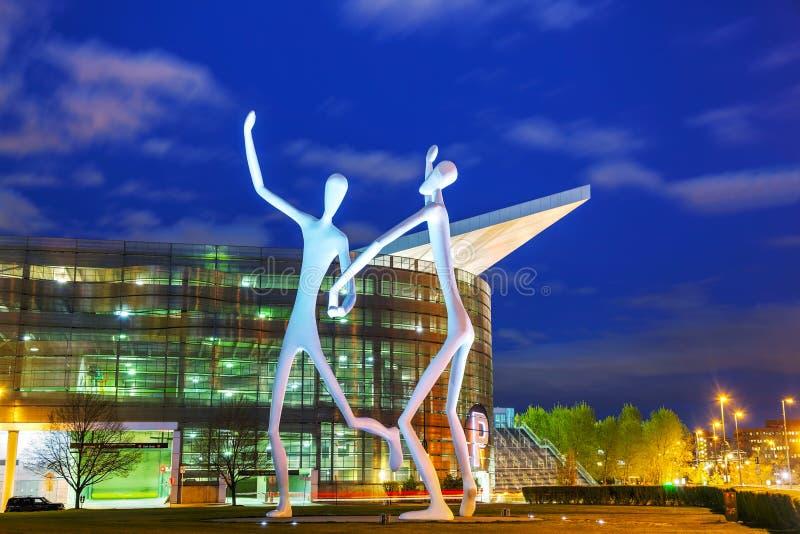 La escultura pública de los bailarines en Denver foto de archivo libre de regalías