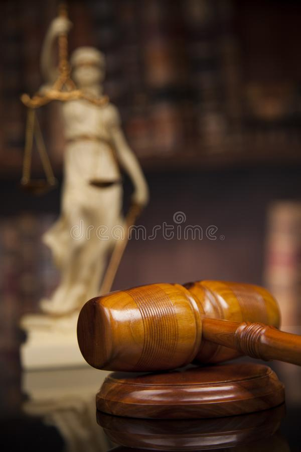 La estatua antigua de la justicia, ley, reserva el fondo fotos de archivo libres de regalías