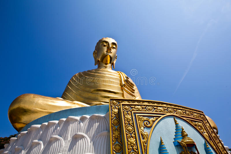La estatua de Buddha fotografía de archivo