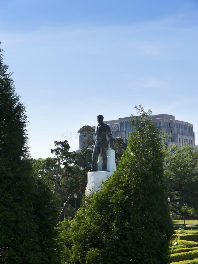 La estatua de Huey Long en el capitol del estado de Luisiana está situada en Baton Rouge céntrica foto de archivo