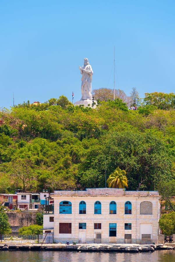 La estatua de Jesus Christ en La Habana, Cuba Copie el espacio para el texto vertical foto de archivo