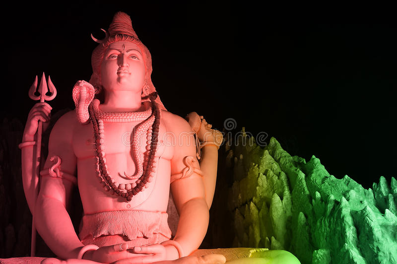 La estatua de Lord Shiva en Murugeshpalya, Bangalore, la India imagen de archivo