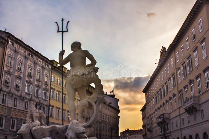 La estatua de Neptuno foto de archivo