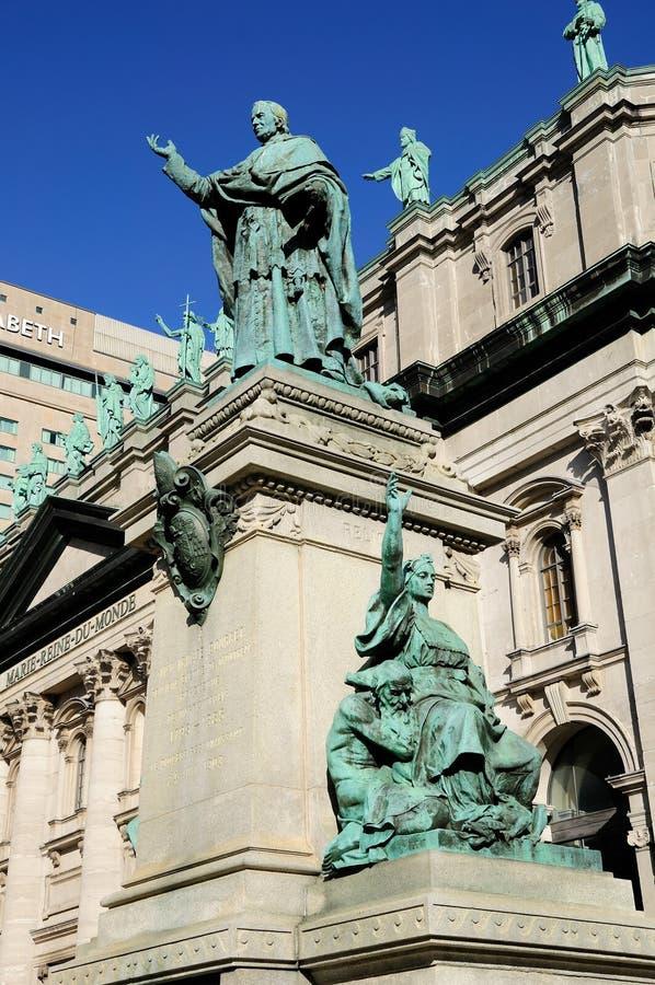 La estatua de obispo Ignace Bourget imágenes de archivo libres de regalías