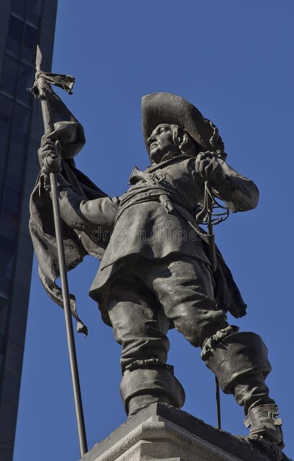 La estatua del fundador de Montreal, d'Armes del lugar ajusta fotografía de archivo