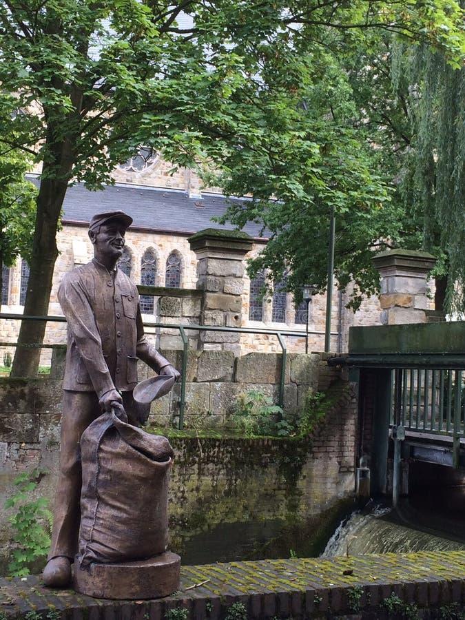 La estatua del trabajador en Gronau fotografía de archivo