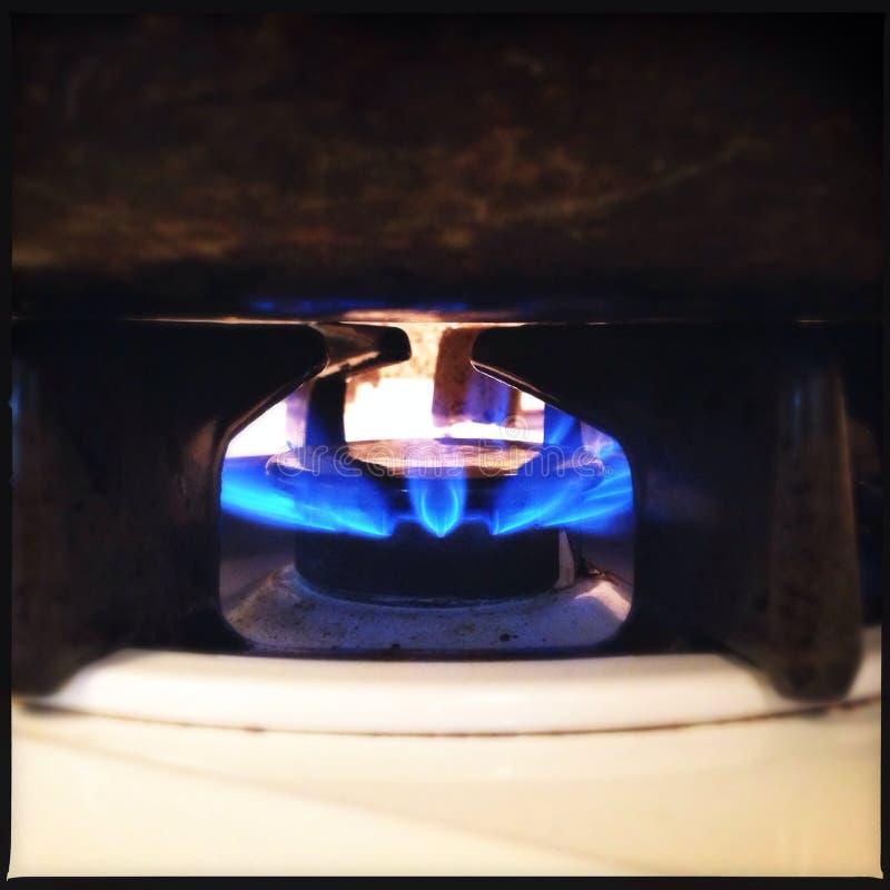 La estufa de gas flamea el primer imagen de archivo