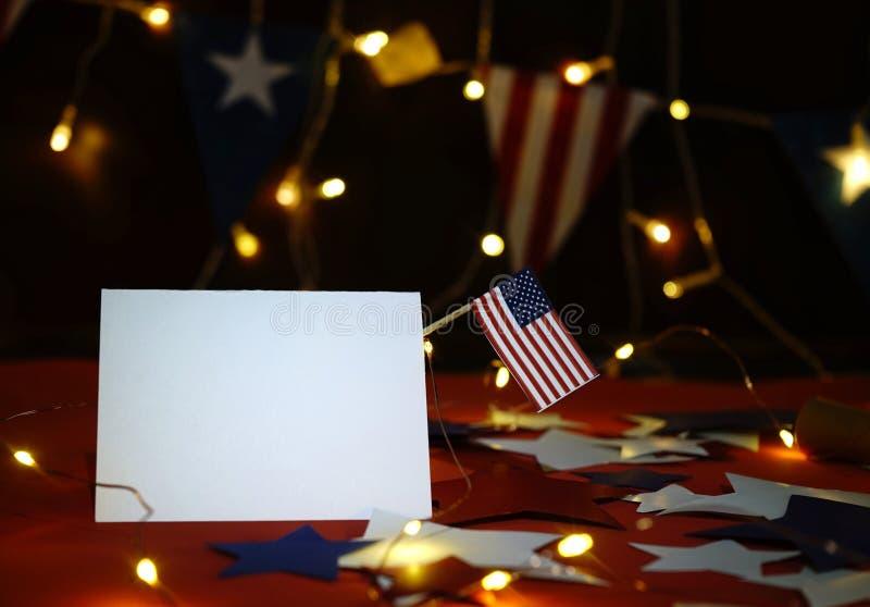 La exhibición de los fuegos artificiales celebra el Día de la Independencia de la nación de los Estados Unidos de América en el c fotografía de archivo
