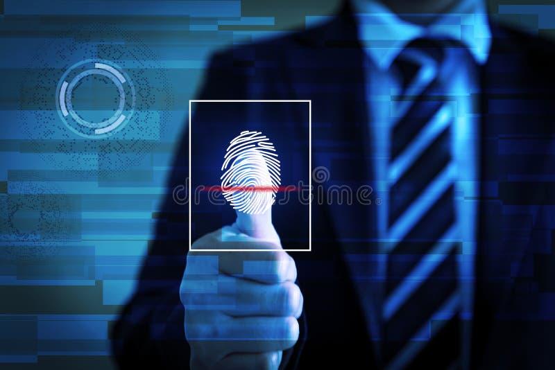 La exploración de la huella dactilar proporciona el acceso de la seguridad fotos de archivo libres de regalías